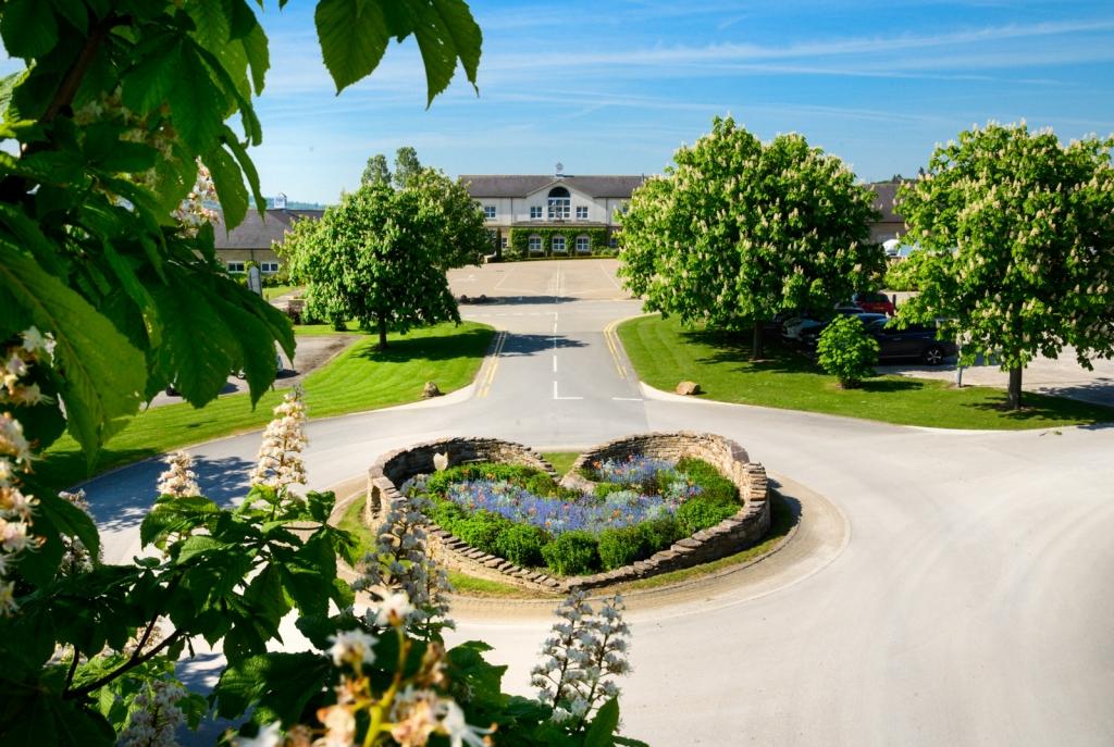 Lawns Pavilions of Harrogate Entrance